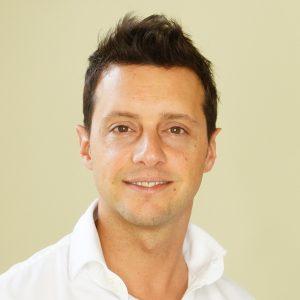 Dr. Rolf Bartsch Experte für VASER-Lipo und Cellultite, plastischer Chirurg